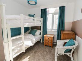 Manor Heath Apartment 3 - Whitby & North Yorkshire - 958918 - thumbnail photo 13