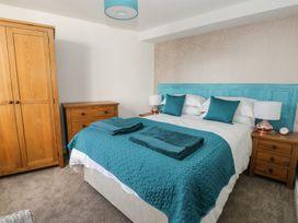 Manor Heath Apartment 3 - Whitby & North Yorkshire - 958918 - thumbnail photo 15