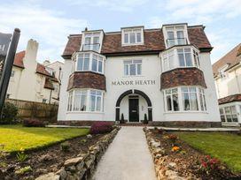 Manor Heath Apartment 3 - Whitby & North Yorkshire - 958918 - thumbnail photo 3