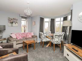 Manor Heath Apartment 4 - Whitby & North Yorkshire - 958919 - thumbnail photo 7