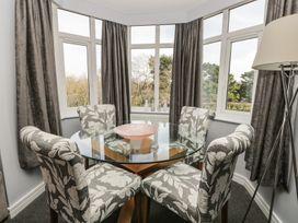 Manor Heath Apartment 4 - Whitby & North Yorkshire - 958919 - thumbnail photo 10