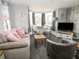Manor Heath Apartment 4 - Whitby & North Yorkshire - 958919 - thumbnail photo 9
