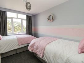 Manor Heath Apartment 4 - Whitby & North Yorkshire - 958919 - thumbnail photo 12