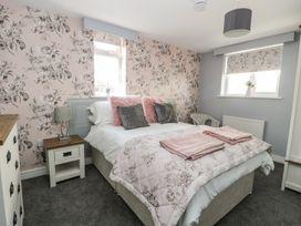 Manor Heath Apartment 4 - Whitby & North Yorkshire - 958919 - thumbnail photo 14