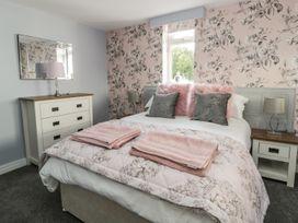 Manor Heath Apartment 4 - Whitby & North Yorkshire - 958919 - thumbnail photo 15