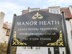 Manor Heath Apartment 4 - Whitby & North Yorkshire - 958919 - thumbnail photo 2