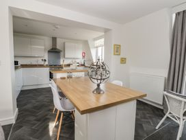 Manor Heath - The Penthouse - Whitby & North Yorkshire - 958921 - thumbnail photo 13