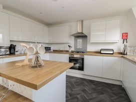 Manor Heath - The Penthouse - Whitby & North Yorkshire - 958921 - thumbnail photo 14