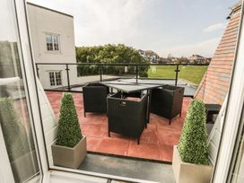 Manor Heath - The Penthouse - Whitby & North Yorkshire - 958921 - thumbnail photo 32