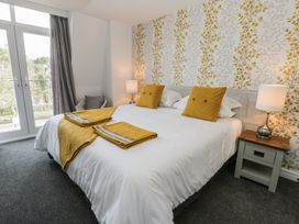 Manor Heath - The Penthouse - Whitby & North Yorkshire - 958921 - thumbnail photo 20