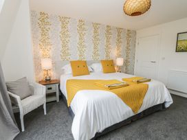 Manor Heath - The Penthouse - Whitby & North Yorkshire - 958921 - thumbnail photo 22