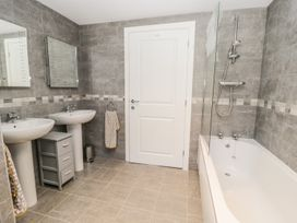 Manor Heath - The Penthouse - Whitby & North Yorkshire - 958921 - thumbnail photo 30