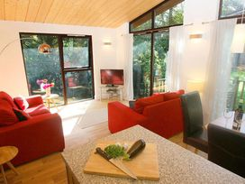 Treetops Lodge - Devon - 959682 - thumbnail photo 3