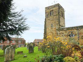 Sunnyside Garden Cottage - Whitby & North Yorkshire - 959719 - thumbnail photo 10