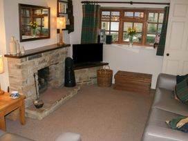 Holly Cottage - Whitby & North Yorkshire - 960331 - thumbnail photo 6