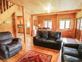 Sunset Lodge 6 - North Wales - 960367 - thumbnail photo 3