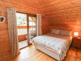 Sunset Lodge 6 - North Wales - 960367 - thumbnail photo 12