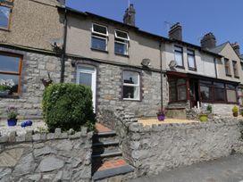 2 bedroom Cottage for rent in Llangefni