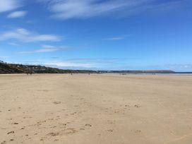 Beach Walk - Whitby & North Yorkshire - 960509 - thumbnail photo 18
