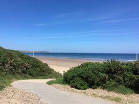 Beach Walk - Whitby & North Yorkshire - 960509 - thumbnail photo 19