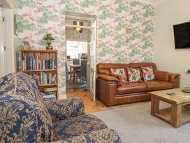 Dove Hot Tub Cottage - Scottish Lowlands - 961384 - thumbnail photo 5