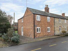2 bedroom Cottage for rent in Winchcombe