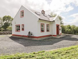 Lough Mask Road Fishing Cottage - Westport & County Mayo - 962060 - thumbnail photo 2