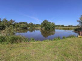 Lakeside Lodge - Norfolk - 963052 - thumbnail photo 17