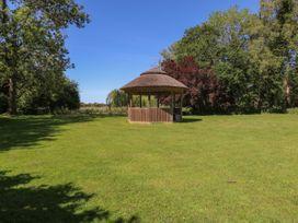 Lakeside Lodge - Norfolk - 963052 - thumbnail photo 19