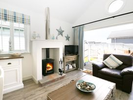 The Lobster Pot Beach House - Whitby & North Yorkshire - 963194 - thumbnail photo 4