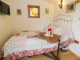 The Clydes - North Wales - 963409 - thumbnail photo 6