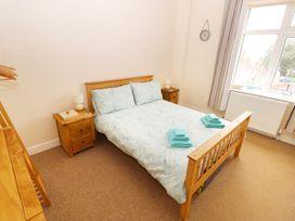 Flat 2, 4 St Edmund's Terrace - Norfolk - 963738 - thumbnail photo 4