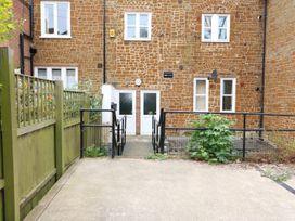 Flat 2, 4 St Edmund's Terrace - Norfolk - 963738 - thumbnail photo 10