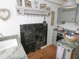 Cosy Cottage - Whitby & North Yorkshire - 963828 - thumbnail photo 6