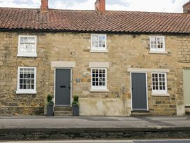 The Old Cartway - Whitby & North Yorkshire - 964829 - thumbnail photo 1