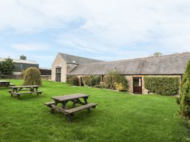 Lathkill Barn - Peak District - 965352 - thumbnail photo 9