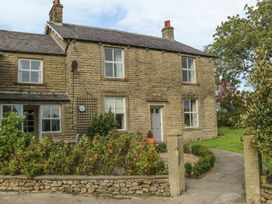 4 bedroom Cottage for rent in Settle