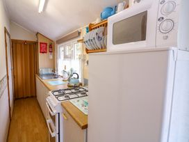 Chalet 18 Smarty's View - Mid Wales - 965588 - thumbnail photo 11