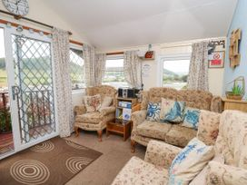 Chalet 18 Smarty's View - Mid Wales - 965588 - thumbnail photo 3