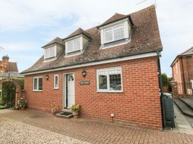 4 bedroom Cottage for rent in Hadleigh