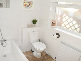 Angel Cottage - Whitby & North Yorkshire - 966239 - thumbnail photo 19