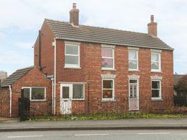 Corner House - Lincolnshire - 966445 - thumbnail photo 1
