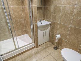 Apartment 2 - South Wales - 966446 - thumbnail photo 9
