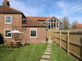 Acorn Cottage - North Yorkshire (incl. Whitby) - 966779 - thumbnail photo 2
