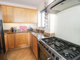 Penthouse 18, West End Point - North Wales - 967066 - thumbnail photo 9