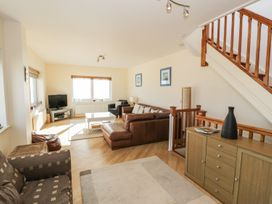Penthouse 18, West End Point - North Wales - 967066 - thumbnail photo 3
