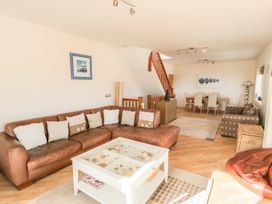 Penthouse 18, West End Point - North Wales - 967066 - thumbnail photo 2