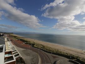 Penthouse 18, West End Point - North Wales - 967066 - thumbnail photo 19