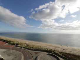 Penthouse 18, West End Point - North Wales - 967066 - thumbnail photo 21