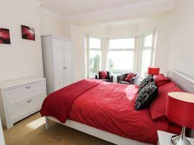 Apartment 3 Marian Y Mor - North Wales - 967080 - thumbnail photo 11